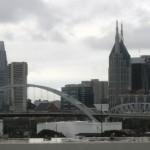 Downtown Nashville. Z okien Fretka.