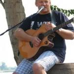 Grałem i spiewałem w plenerze: jachty, port, woda, przystań. Czego więcej, lepiej można sobie wymarzyć?