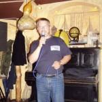 Maciej Olszewski. Organizator szantowych koncertów w Poznaniu. Pomysłodawca i dyrektor SZANTACLAUS.
