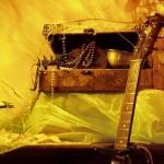 Skrzynia skarbów i moja gitara. Hmmm... Kawałek gitary.