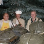 Koncertu i moich opowieść słuchali m. in. panowie: Burmistrz Szczyrku, Wojciech Bydliński (na zdjęciu - w środku) oraz Jarek Kret (na zdjęciu - wiadomo gdzie :-)).