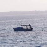 Łódka rybacka. Takie też pływają po tamtych wodach.