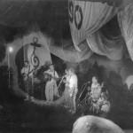 Prehistoryczne zdjęcie występu SMUGGLERSów na Shanties '90 w Krakowie. Odnalazł je niedawno w swoich zbiorach Bartek. Zdjęcie wykonane aparatem ZENITH. Made in USSR. :-))