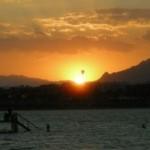 Zachód słońca widziany z pomostu.
