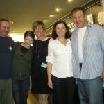Przyjaciele nie zawiedli (od lewej): Marcin, Małgosia, Kasia, Dorota, ja - przy stoisku.