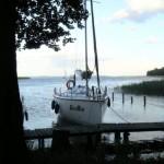 GooRoo przy pomoście - a w tle jezioro Śniardwy.